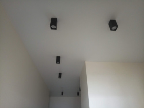 матовое полотно в коридоре