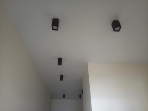 матовое полотно в коридоре (1)