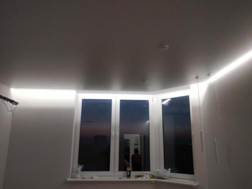 подсветка над окном
