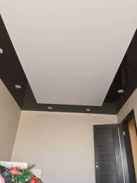 черно-белый комбинированный потолок