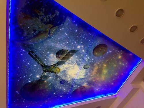 3Д космос на натяжном потолке